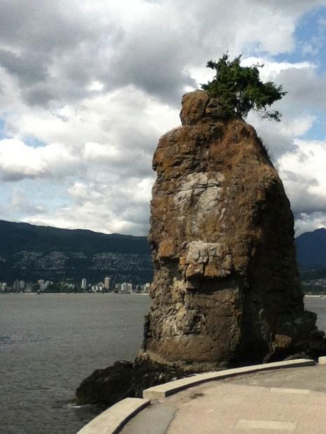 Siwash-Rock-Stanley-Park-blog-viagens-e-gastronomia-vancouver