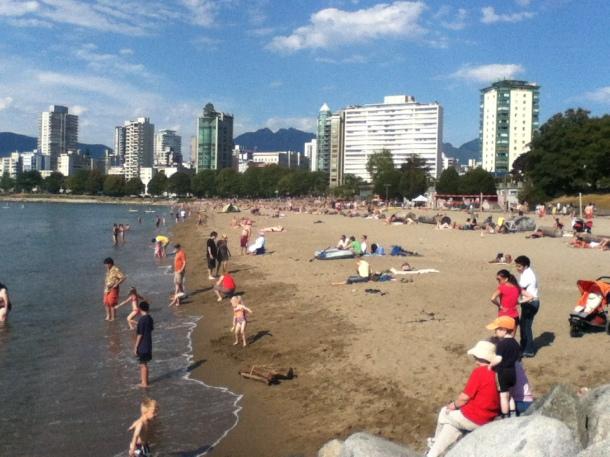 blog-vem-comigo-viagens-e-gastronomia-luiza-menezes-vancouver-sunset-beach