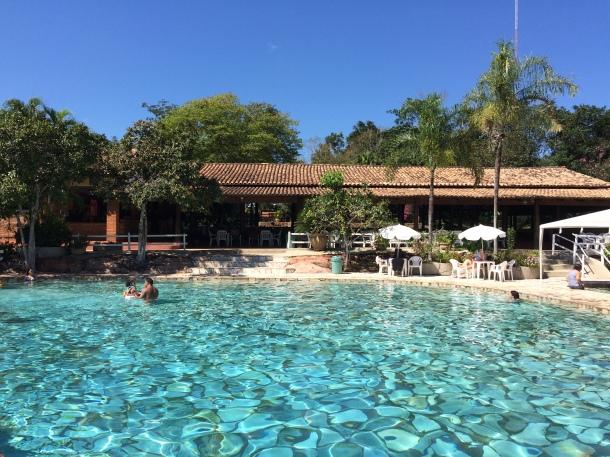 blog-vem-comigo-viagens-e-gastronomia-luiza-menezes-balneário-thermas-cachoeira-da-fumaça-piscina-6