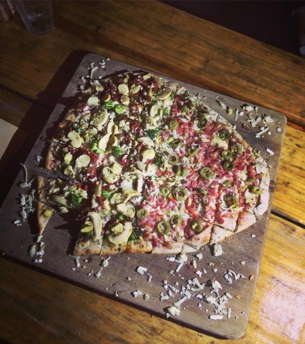 blog-vem-comigo-viagens-e-gastronomia-luiza-menezes-bistro-da-travessa-pizza-Vaca-Premiada-e-baiana