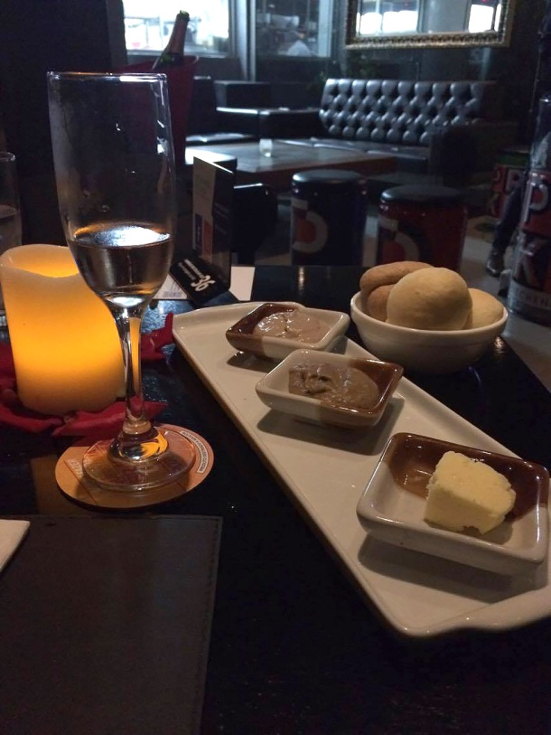 blog-vem-comigo-viagens-e-gastronomia-luiza-menezes-PPKB-kitchen-_-bar-dia-dos-namorados-couvert