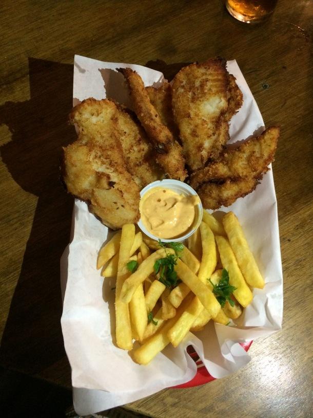 Blog-vem-comigo-viagens-e-gastronomia-luiza-menezes-4Beer-Fish-n-chips