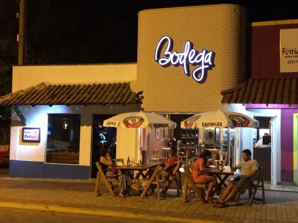 blog-vem-comigo-viagens-e-gastronomia-chapada-dos-guimaraes-emporio-bodega-cerveja-artesanal-e-vinhos-foto-luiza-menezes