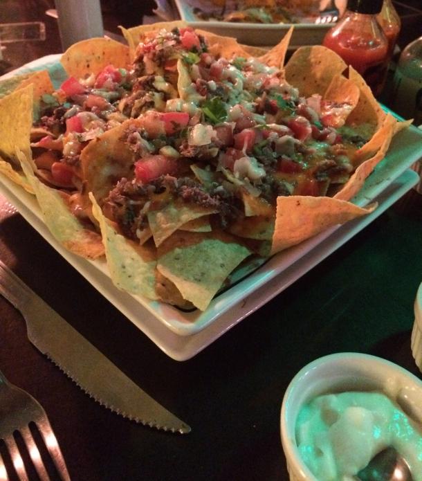 blog-vem-comigo-viagens-e-gastronomia-luiza-menezes-porto-alegre-nacho-libre-comida-mexicana-nachos-los-aztecas.jpg