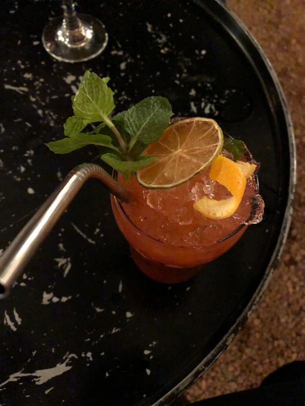 blog-vem-comigo-viagens-e-gastronomia-luiza-menezes-estreito-da-chosen-drink-preciso-de-um-nome